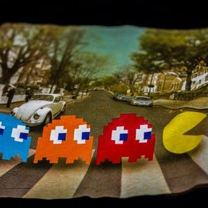 Tops - Pacman on Abbey Road Short Sleeve (S)
